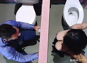 Brazzers - noelle easton love go to the toilet gloryholes