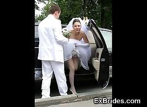 Veritable brides hawt in public!