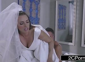 Sexy bride juelz ventura has recreation with reference to garments salesman