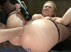 Obese bumpers pretty good chick anally fisted